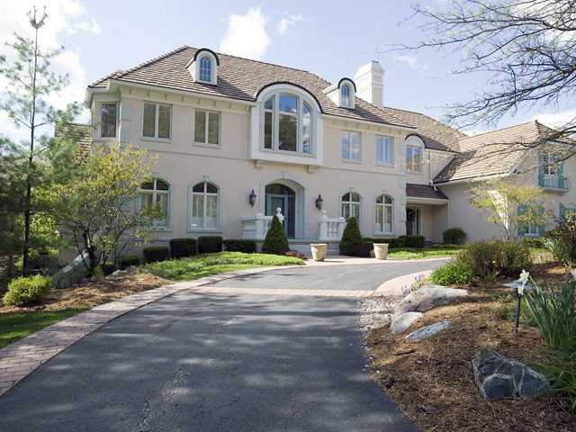Whitehills Lake Beautiful Home Inside and Out